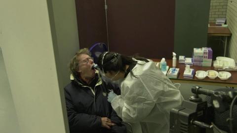 Вести в 20:00. Рост заболеваемости и проблемы с вакцинами: ситуация с COVID-19 в мире