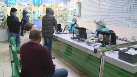 """Новости на """"России 24"""". Волгоградцы приходят на прививку целыми семьями"""