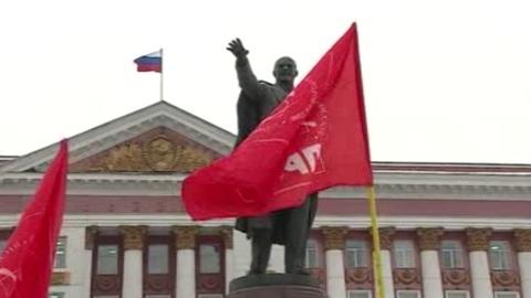 Вести-Курск. Курские коммунисты возложили цветы к памятнику Ленина