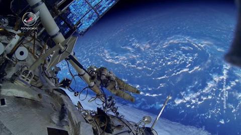 """Новости на """"России 24"""". ЧП на орбите: утечка на МКС – еще не """"аварийная разгерметизация"""""""