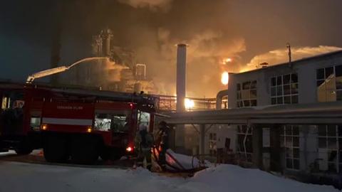 "Новости на ""России 24"". Пожар на предприятии в Уфе тушили всю ночь"
