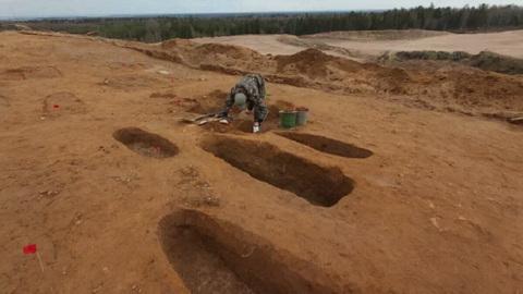 В древнем ижорском могильнике обнаружены сотни средневековых артефактов