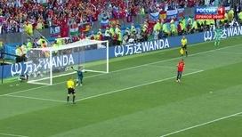 Акинфеев отбивает последний мяч и приносит России победу!