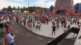 Десятки тысяч москвичей и гостей столицы поддерживали команду в фан-зоне на Воробьевых горах