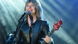 Сьюзи Кватро: девушка с гитарой