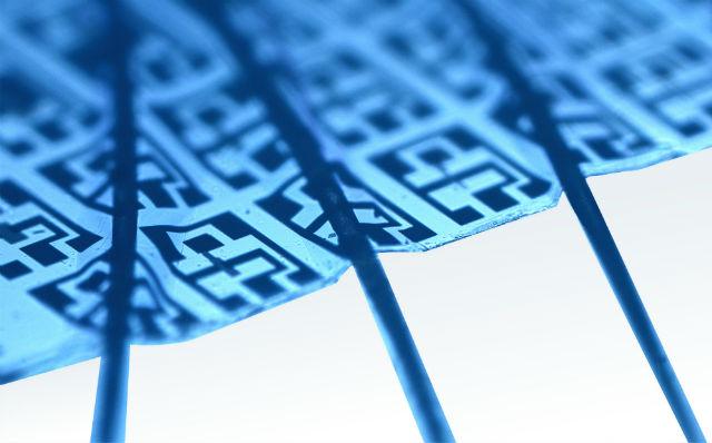Новая микросхема в 50 раз тоньше человеческого волоса