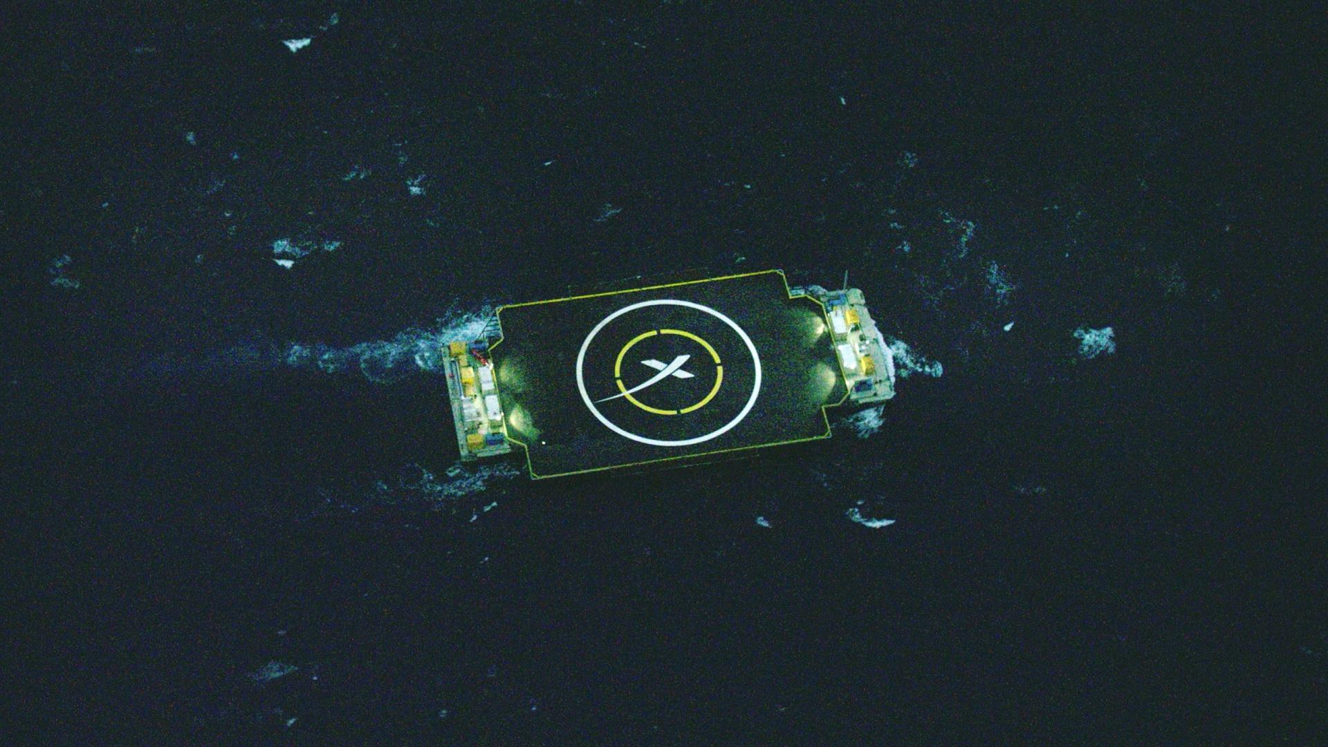 Первая ступень Falcon 9 совершила жёсткую посадку на плавучую платформу в трёхстах километрах от северо-восточного побережья Флориды