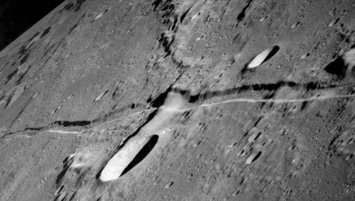 Лунная структура разношёрстна, словно лоскутное одеяло