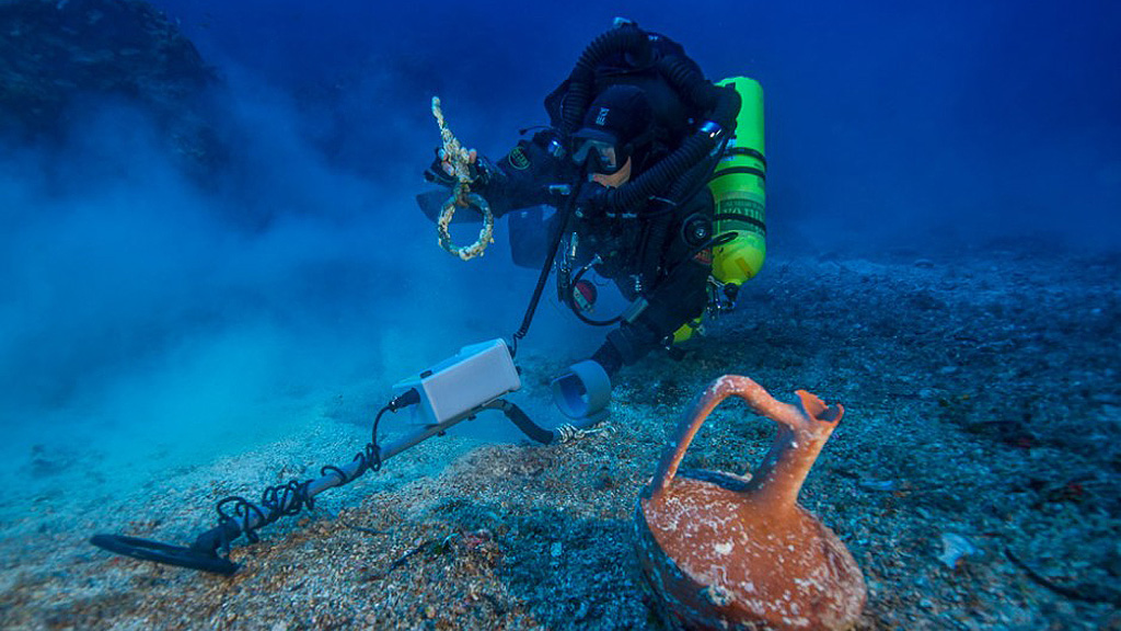 Раскопки на месте крушения Антикитерского корабля. Фото: Brett Seymour / Argo / Wetpixel