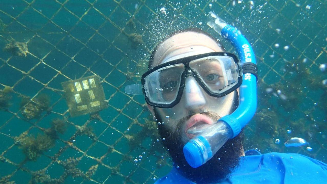 Изобретение на протяжении семи недель испытывали в морской среде.