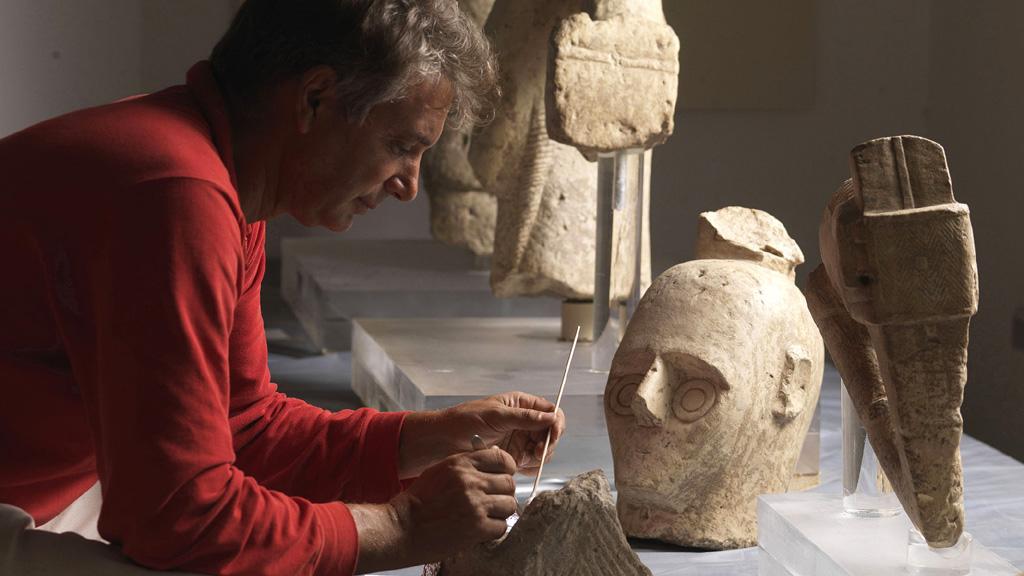 Нурагические статуи, известные как ╚гиганты Монте Прама╩. Фото: The Field Museum
