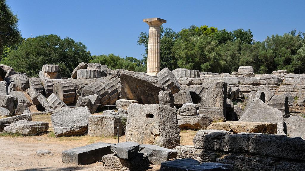 Развалина храма Зевса в Олимпии. Фото с сайта brewminate.com