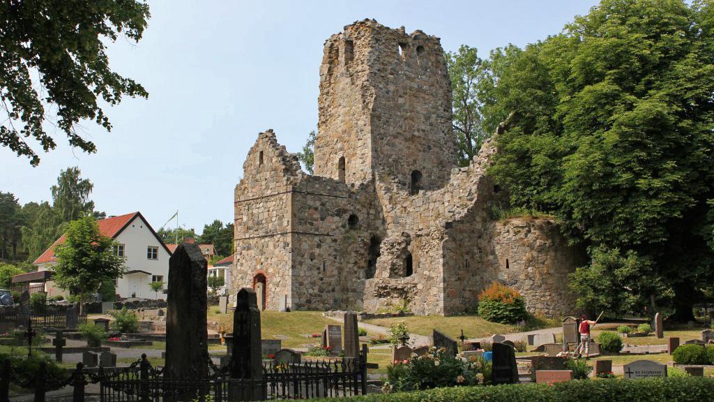 Развалины церкви св. Олафа (Х век) в Сигтуне. Фото с сайта persresor.persskriverier.se