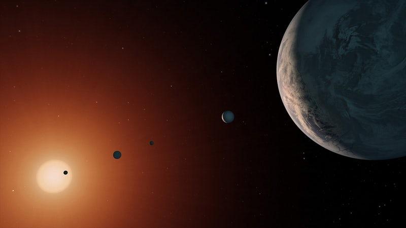 Система с семью землеподобными планетами давно интересует учёных.