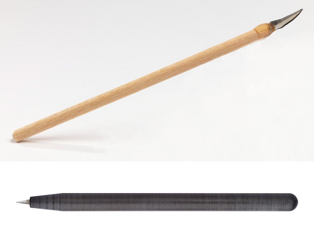 Современные обсидиановые скальпели компании Fine Science Tools, модель 2013 года (вверху) и 2019 года (внизу). Фото FST
