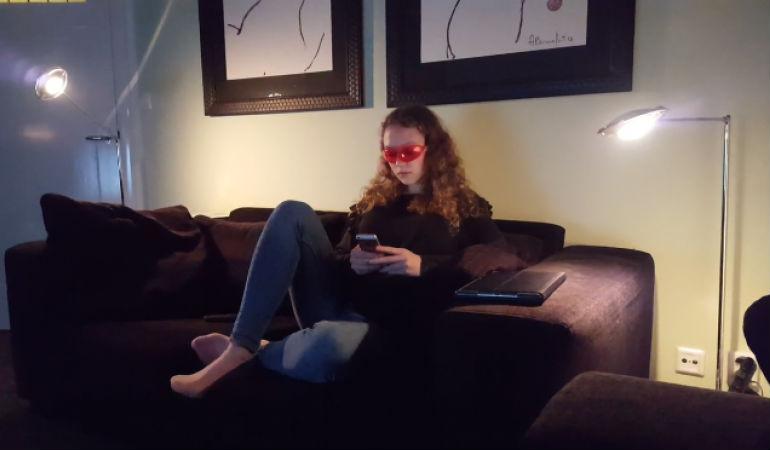 Специальные очки помогли подросткам улучшить качество сна за небольшой промежуток времени.