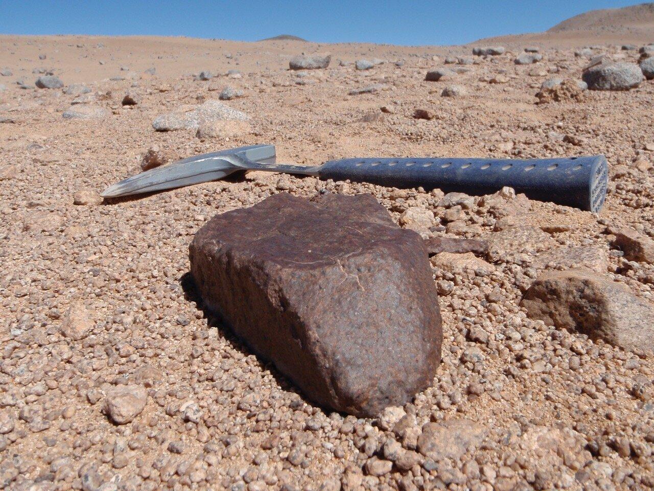 Безводная Атакама миллионы лет сохраняла метеориты практически в неизменном виде.
