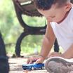 Минпросвещения призывает не баловать детей-сирот подарками