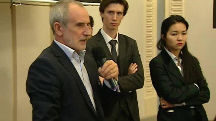 Римас Туминас представил работы своих первых выпускников