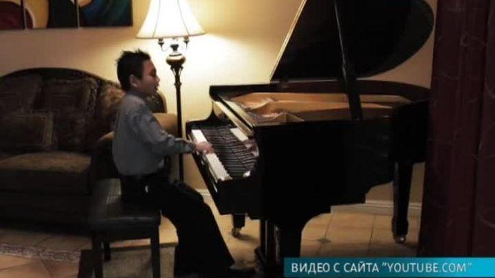 Юный пианист снял свою игру на экшн-камеру