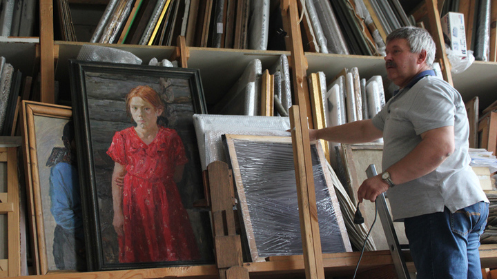 В мастерской художника А. Пластова, его сына и внука