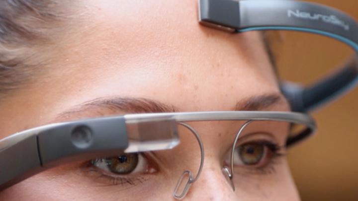 Google Glass научили управлять силой мысли