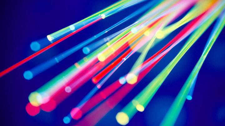 Побит рекорд скорости передачи данных по оптоволокну