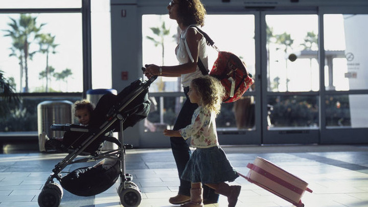 Как правильно оформить выезд ребенка за рубеж