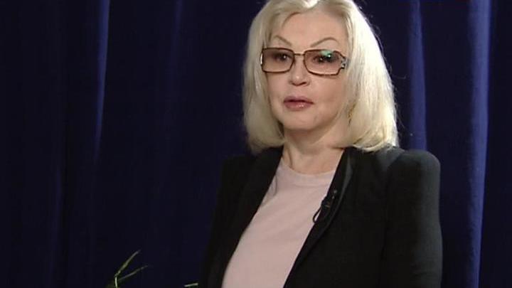 Поздравления с юбилеем принимает Валентина Титова