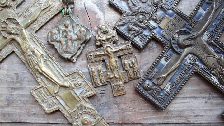 Старинные кресты, похищенные из Твери в 1941 году… Возвращены из Германии в 2013 году