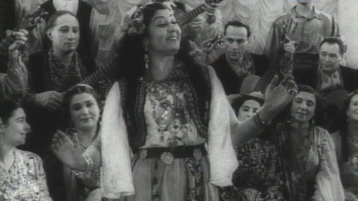 Листаем страницы истории цыганского театра