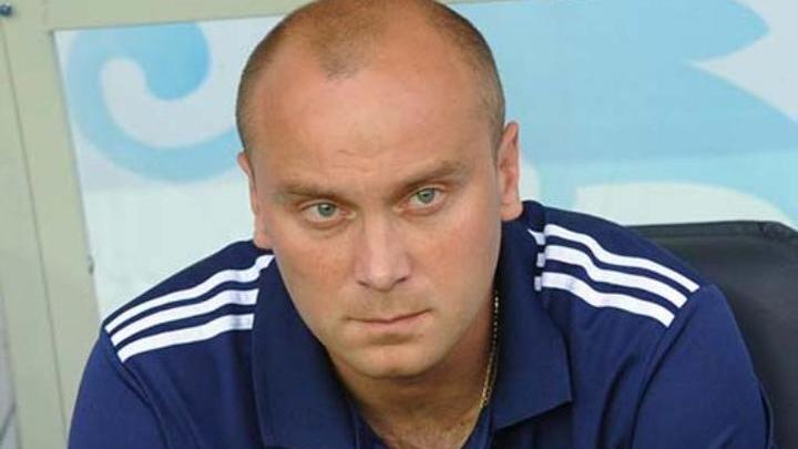 "Фамилия подвела: тренер ""Ротора"" Хохлов подал в суд на Facebook"