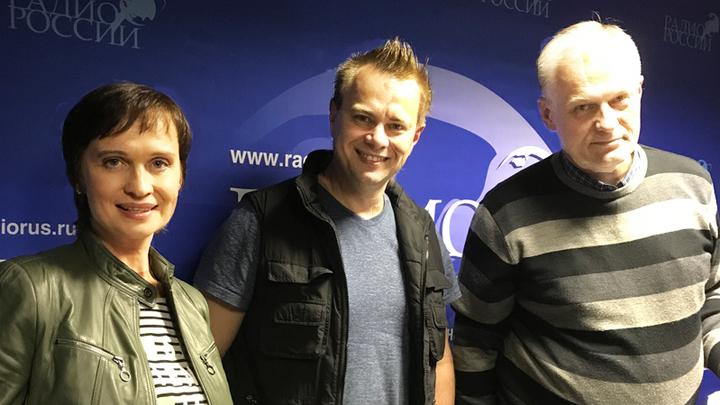 Ведущая Алла Волохина, эксперт в области садовой техники Алексей Меснянкин и ведущий Константин Корольков.