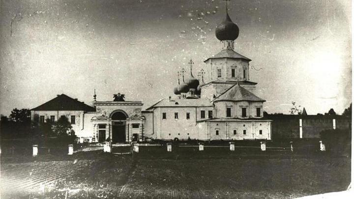 Археологи обнаружили фрагменты Успенского собора Желтикова монастыря начала XV века