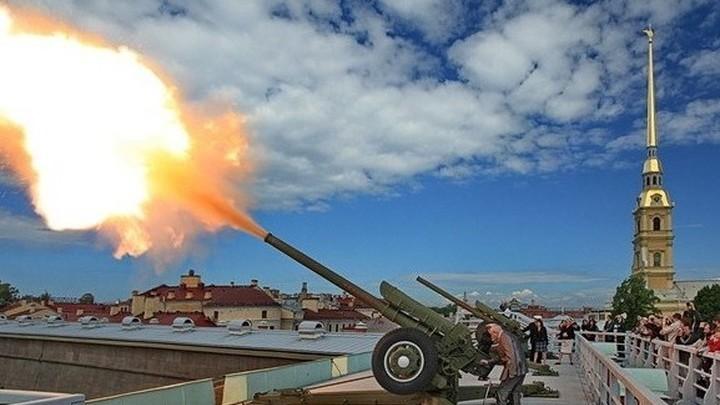 Полуденный выстрел в Петербурге даст старт празднику