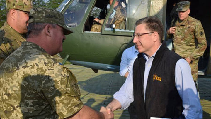 Спецпредставитель США по Украине Волкер и посол США Йованович прибыли в зону АТО.