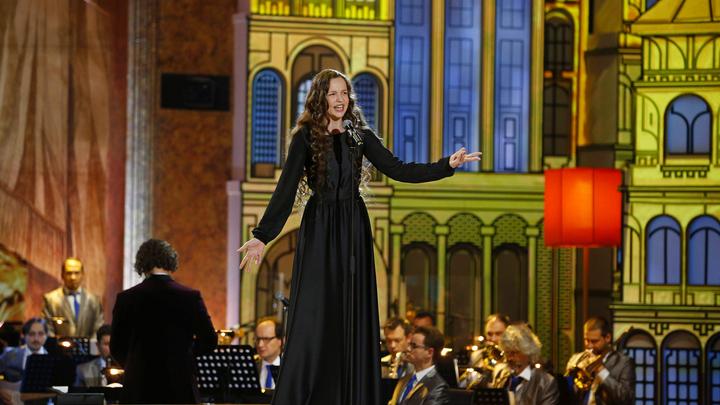 Юлия Малинова стала победителем первого зрительского голосования