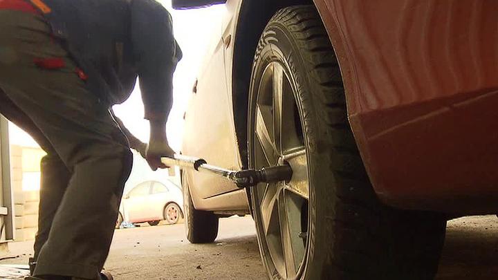 Перекачанное колесо убило сотрудника шиномонтажа в Москве