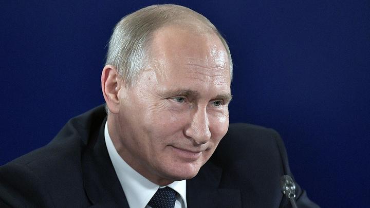 Владимир Путин поздравил Эдуарда Артемьева с юбилеем