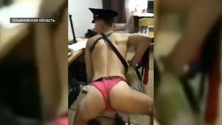 """Эротические танцы в нижнем белье: клип будущих летчиков """"порвал"""" Сеть и заинтересовал Росавиацию"""