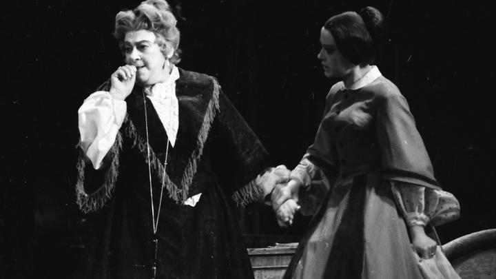 А так было много, много лет назад… Раритет: «Дядюшкин сон»: Ф.Раневская и В. Талызина. Фото из архива театра.