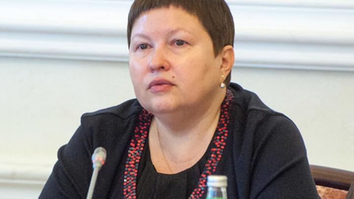 Председатель комиссии ОПРФ, первый вице-президент Российского фонда мира Елена Васильевна Сутормина.