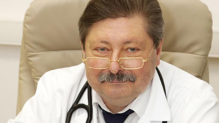 Дмитрий Александрович Затейщиков, врач-кардиолог, руководитель Сосудистого  центра в Городской клинической больнице № 51, заведующий кафедрой терапии, кардиологии и функциональной диагностики Центральной государственной медицинской академии УД Президента РФ, доктор медицинских наук, профессор.