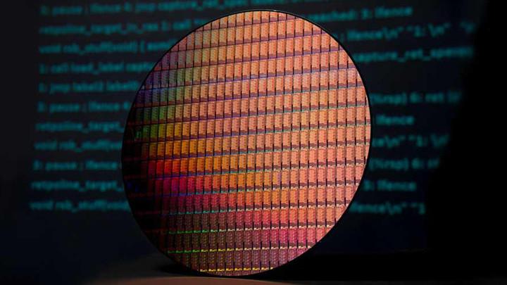 Intel перенесла массовый выпуск 10-нм процессоров на 2019-й