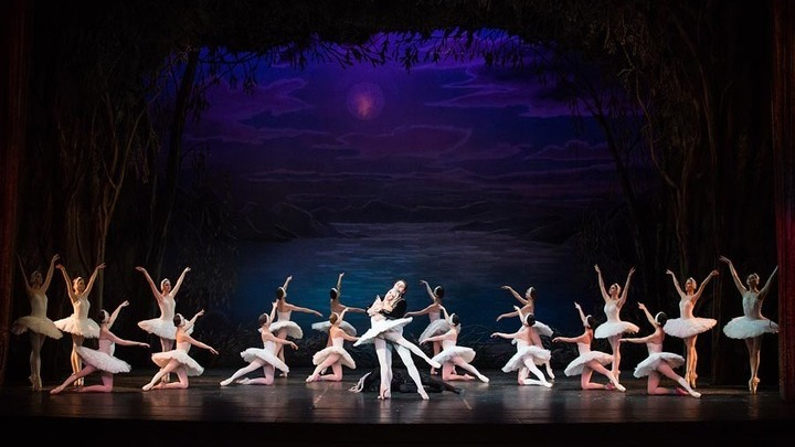 Наследие Петипа: балет «Лебединое озеро», театр балета имени П.Чайковского, Санкт-Петербург. Фото Д.Кочеткова