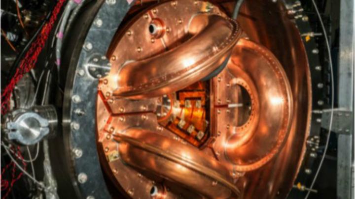 Экспериментальный реактор HIT-SI3