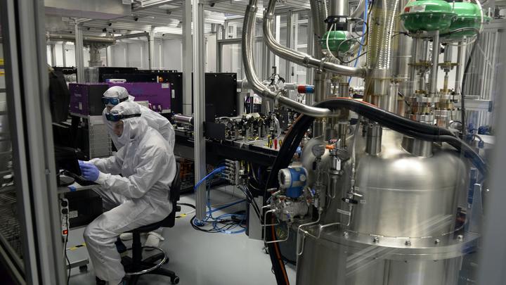 Новый лазер установил мировой рекорд по средней мощности.