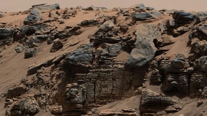 Огромные запасы водорода в полярных широтах Марса оказались льдом.