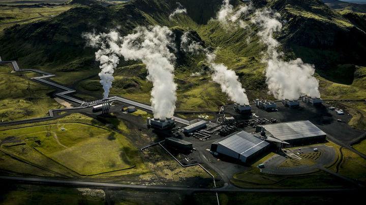 Электростанция Хеллисхейди, которая в настоящее время производит 40 тысяч тонн углекислого газа ежегодно.