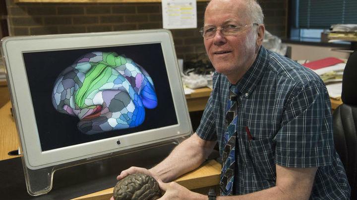 Дэвид Ван Эссен руководил командой исследователей, которая составила наиболее точную карту коры головного мозга. Она поможет учёным в изучении различных заболеваний.